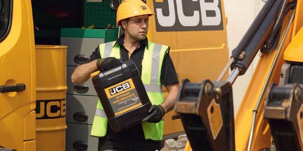 Jak wypada olej JCB w testach laboratoryjnych?
