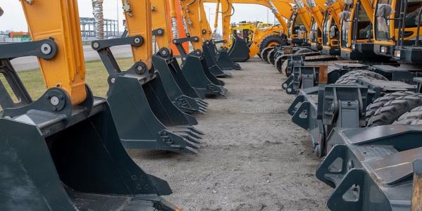 Jakość maszyny budowlanej a bezpieczeństwo pracy operatora - czy to się łączy?